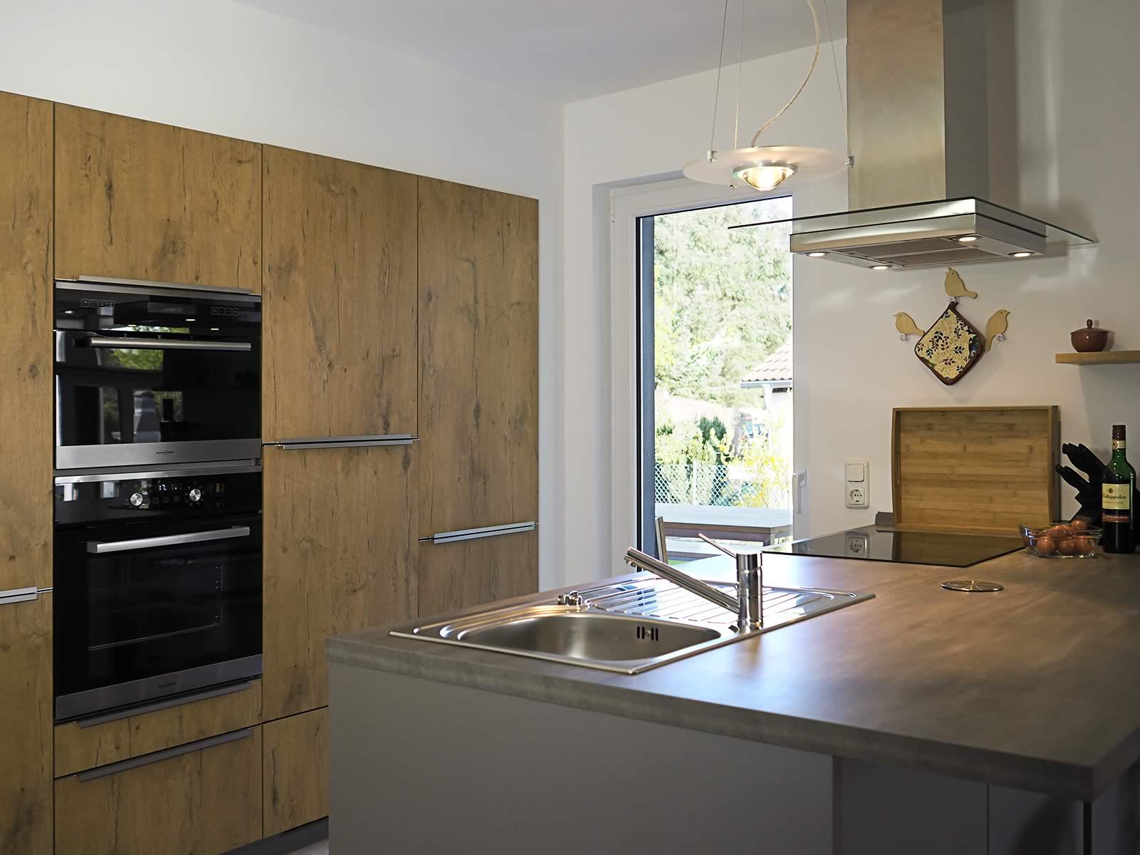 wohnraum mit offener k che wiesenart zingst. Black Bedroom Furniture Sets. Home Design Ideas