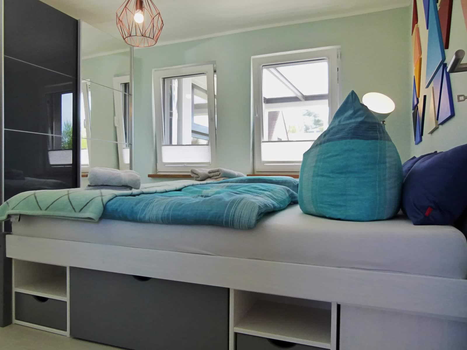 schlafzimmer meer diva und lyrik wiesenart zingst. Black Bedroom Furniture Sets. Home Design Ideas