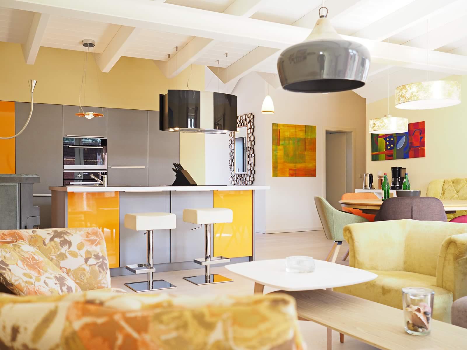 Offene küche mit kücheninsel